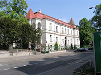 Hlavní budova ul. W. Churchilla 4